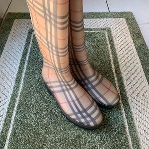 Authentic Burberry rain boots (unisex)
